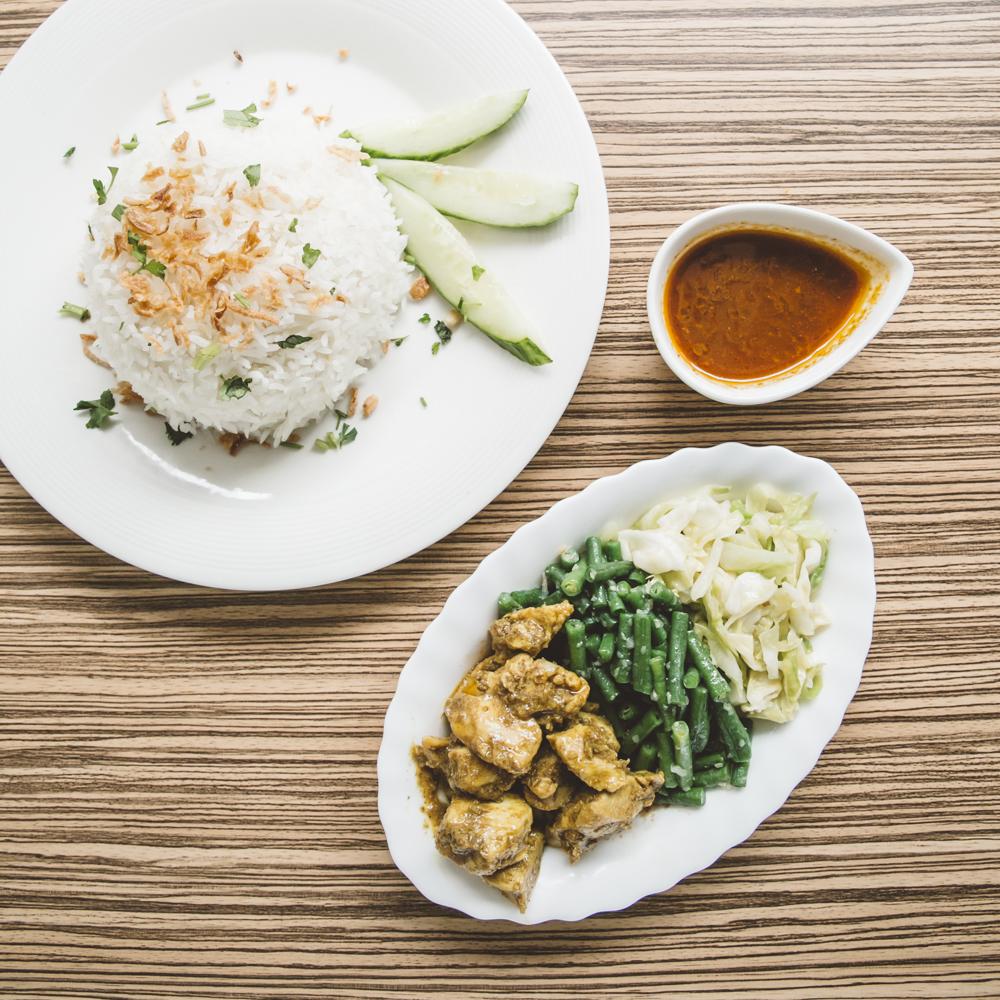 WMKerrie-kipfilet-met-groenten-en-rijst2